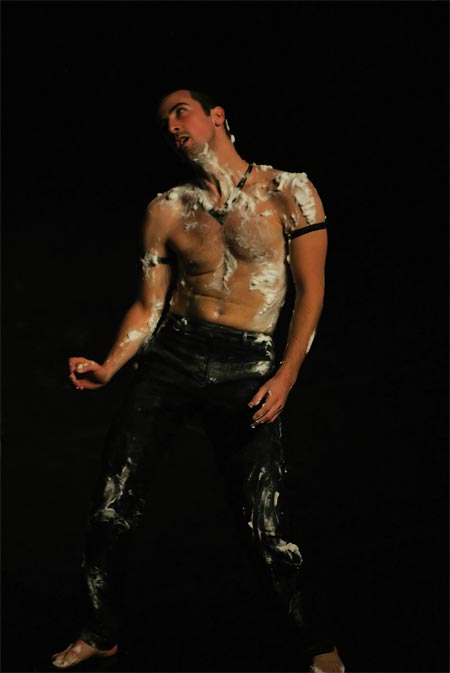 """Batterie"" (2007) Pau, Théâtre Saragosse, Yokohama 