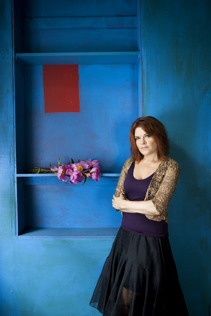 Roseanne Cash | Photo by Deborah Feingold