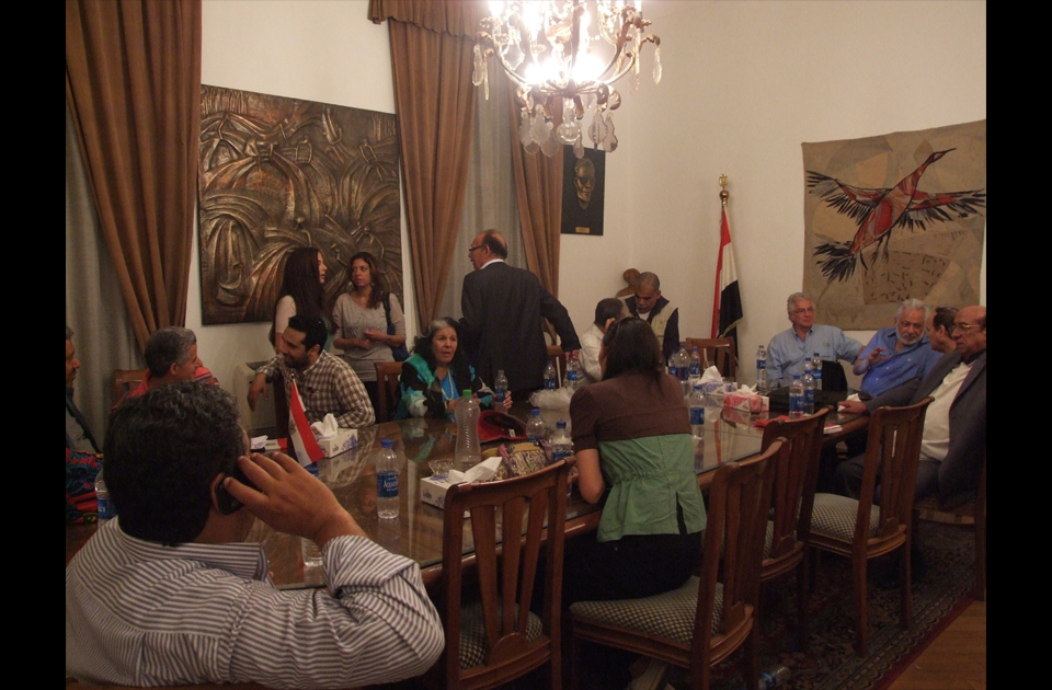 Artists and intellectuals continue their sit-in at the Ministry of Culture in Zamalek. (Photo: Ahram)