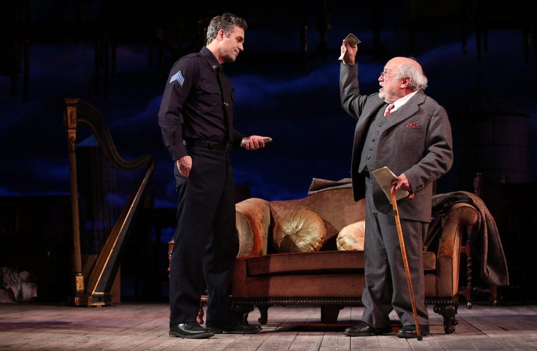 Mark Ruffalo and Danny DeVito in THE PRICE